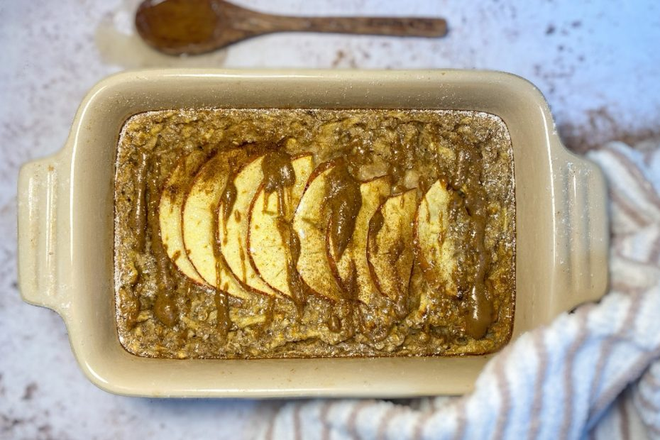 Apple & Cinnamon Oat Bake
